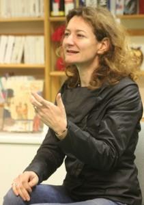 """Environ quarante personnes ont participé, à Orcier et Margencel, à une rencontre avec l'auteur Virginie Ollagnier, dont le roman """"Rouge argile"""" est sélectionné par le prix Lettres frontière 2012"""